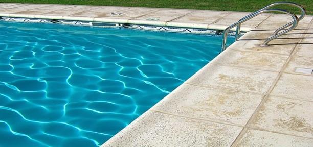 2447316752 433d92713c thumb4 - Sulfat đồng trong hồ bơi
